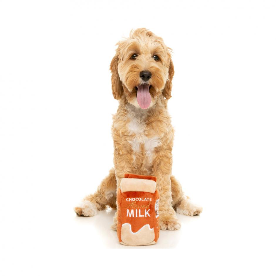 FuzzYard Plyschleksak - Chocolate Milk